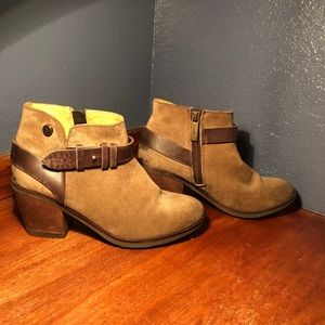 Bussola Ankle Booties